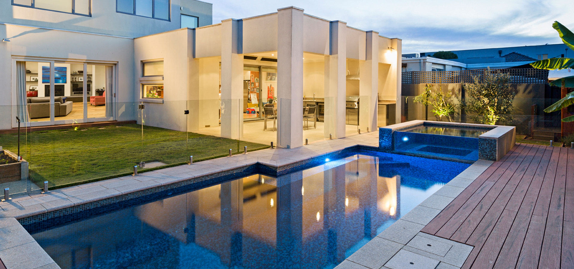 caulfield landscape design and pool